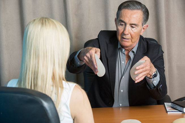 dr-jorge-lopez-breast-augmentation-consultation-esteem-australia-image3